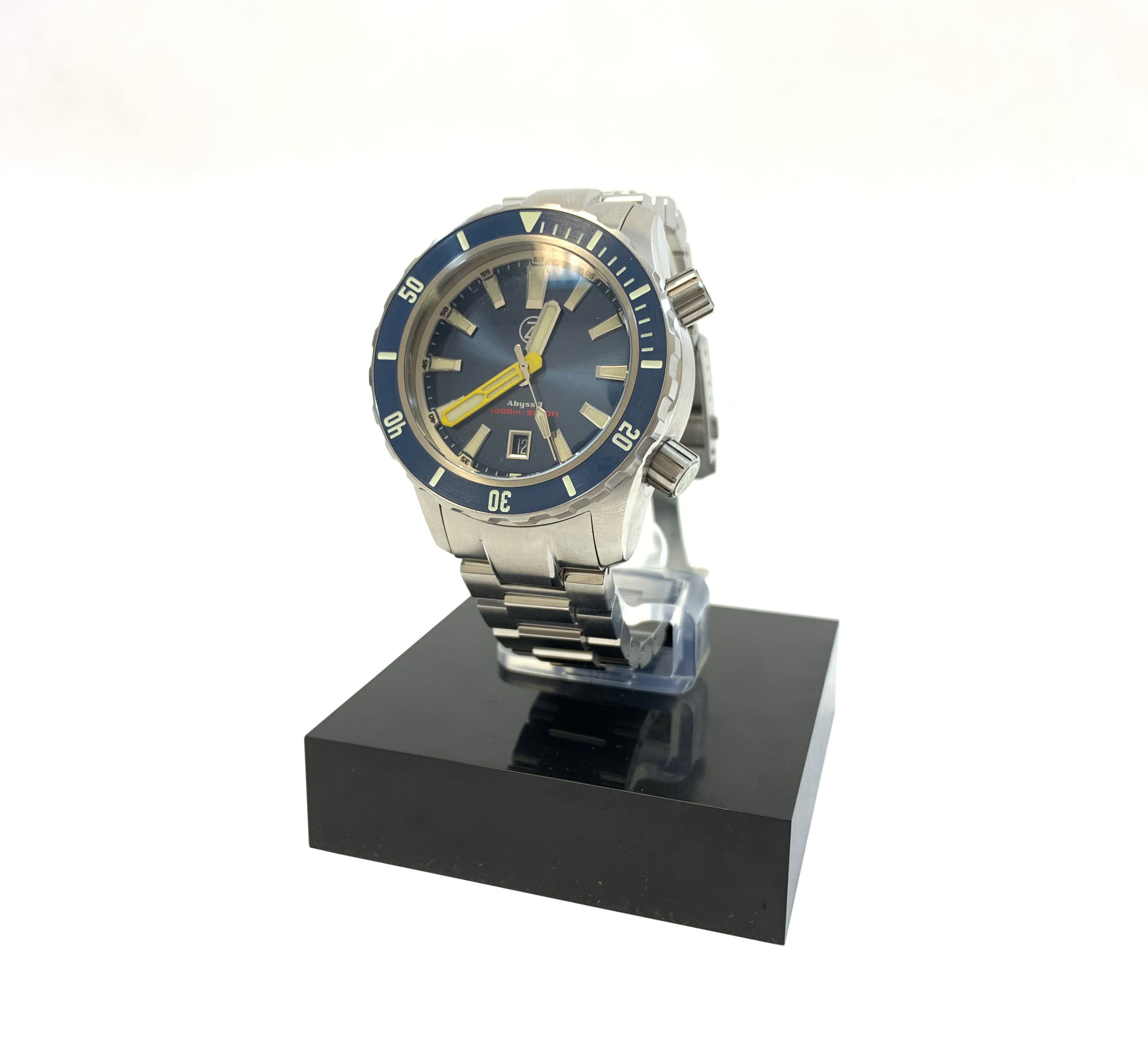 Zelos Abyss 3 3000M Steel Midnight Blue Ceramic Bezel 43mm Yellow hands Limited Edition Automatic Diver Watch